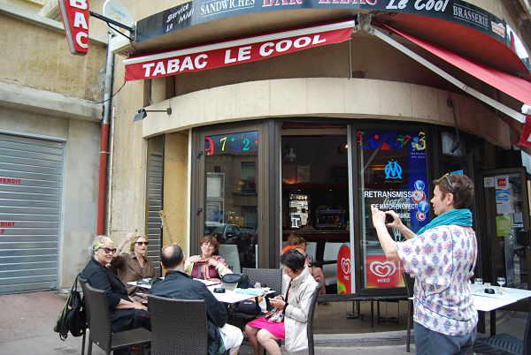 Le dernier pastis avant de quitter Marseille. Cool!